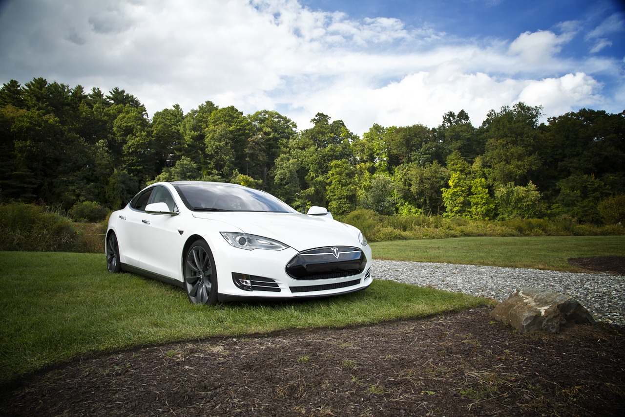 How much do tesla cars cost uk 17