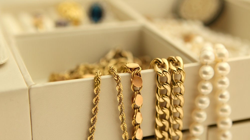 Does Home Insurance Cover Lost Jewelry?